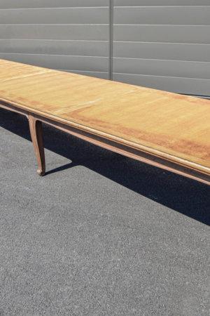 Grande table en bois conseil municipal