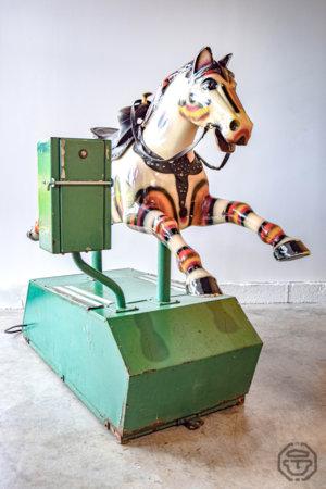 ancien cheval manège