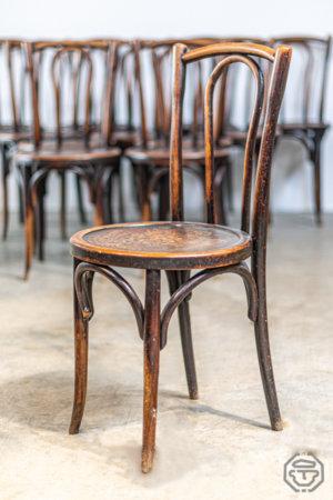 Lot douze chaises rondes thonet