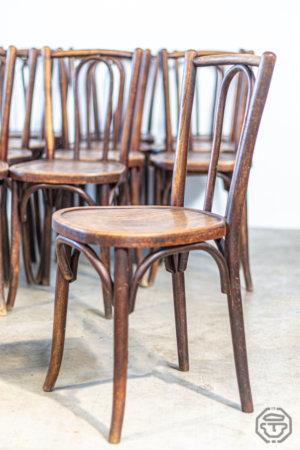 Série de douze chaises Thonet